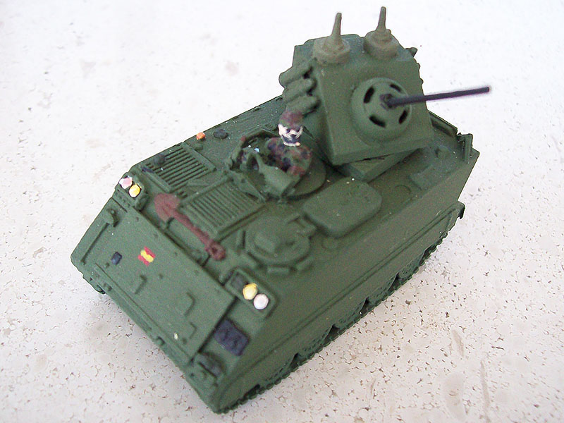 TOA M-113 modificado con torreta